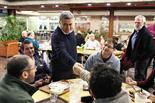 עמיר פרץ בחדר האוכל בקיבוץ גבעת חיים איחוד. עבורנו ההתישבות העובדת היא נושא אידאולוגי מרכזי