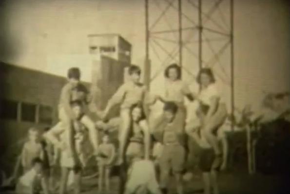התערוכה סוקרת 80 שנה בקיבוץ שער העמקים